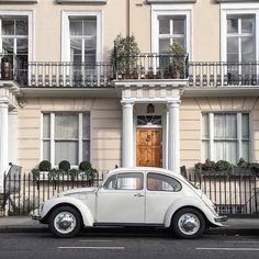 A classic #VW spotted in #HollandPark by @sparrowflu & @london // #london #londonliving #birline #classic