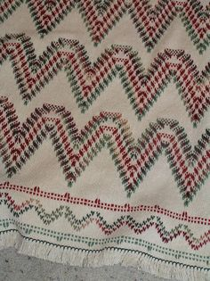 Natural Swedish Weave Blanket by NeenersWeaving on Etsy