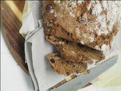 Stuffed spelt bread no yeast and no kneading/  Gevuld speltbrood zonder gist en kneden/ (recipe is in Dutch)