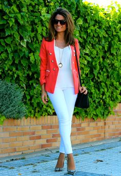 Fashion and Style Blog / Blog de Moda . Post: My color for this season / Mi color para esta temporada .More pictures on/ Más fotos en : http://www.ohmylooks.com/?p=22784 .Llevo/I wear : Jacket : Oh My Looks Shop (info@ohmylooks.com) / Pendant / Colgante : Chance collection by Coolook & Oh My Looks ; Ring / Anillo : Coolook ; Blouse / Blusa : Zara ; Pants / Pantalones : Mercadillo (old) ; Bag / Bolso : Michael Kors ; Shoes / Zapatos : Pilar Burgos Limited edition