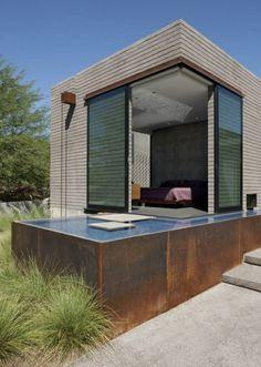 petite piscine hors sol, petite maison container