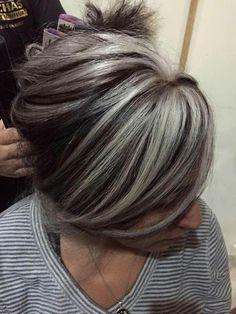 Resultado de imagen para reflejos plateados pelo castaño con crecimiento canas