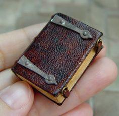 EV Miniatures Decorated Books