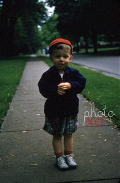New to photoxo: Boy in red hat 1952 red border