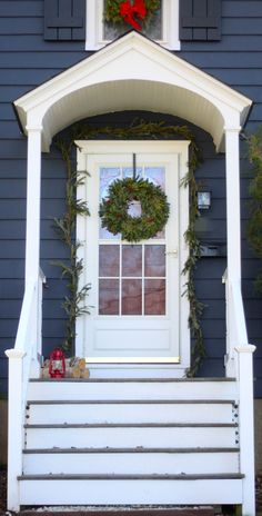 A Holiday Front Porch Makeover : A Mommy In The City