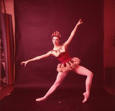"""New York City Ballet - Studio photo of Patricia Neary in """"Jewels"""", choreography by George Balanchine (New York)"""