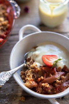 Easy Vegan Rhubarb Crisp (Crumble) by The Minimalist Vegan. This rhubarb crisp with strawberries is a quick dessert that has the perfect balance of sweet and tart. If you love crumbles, this is a must-try! #veganrhubarbcrumble #veganrhubarbcrisp Gf Recipes, Fruit Recipes, Vegan Desserts, Delicious Desserts, Rhubarb Crumble, Quick Dessert, Crumble Recipe, Vegan Butter, Pie Dish