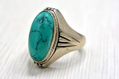 Sterling Silver ring  Vinatge Ring   Green stone size11