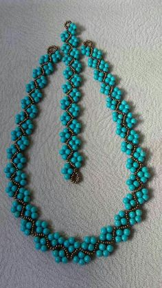 Beaded bracelet and necklace inspiration. Made by beadweaving seed beads with pearl or round beads. Bead jewellery making Beaded bracelet and necklace inspiration. Made by beadweaving seed beads with pearl or round beads. Bead jewellery making Beaded Necklace Patterns, Beaded Jewelry Designs, Seed Bead Jewelry, Bead Jewellery, Handmade Jewelry, Seed Beads, Handmade Necklaces, Jewelry Necklaces, Making Bracelets With Beads