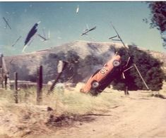 Rare and Behind the Scenes Pictures of the Dukes of Hazzard My Dream Car, Dream Cars, Hot Wheels, General Lee Car, Junkyard Cars, Dukes Of Hazard, Plymouth Valiant, Funny Car Memes, Car Posters