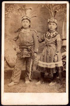 Spectacular C 1880 Iroquois Indian Children Cabinet Card Indians in Full Regalia…