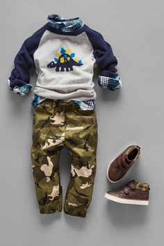 Toddler boys' fashion | Kids' clothes | Back-to-school | Raglan sleeve dinosaur sweater | Camo joggers | Sneakers | The Children's Place