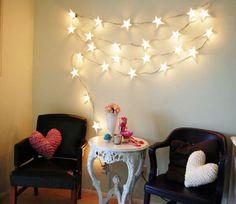 Фотография:  в стиле Современный, Декор интерьера, DIY, Мебель и свет, романтическая гирлянда, гирлянда из звездочек – фото на InMyRoom.ru