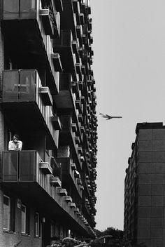 Búcsú Hemző Károlytól. Apartment buildings, Hungria, 1983.