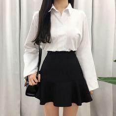 Side Zipper Ruffled Hem Mini-Skirt