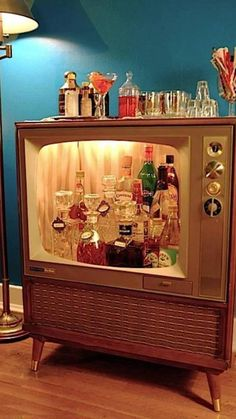 old old tv into a home bar (via Homedit)