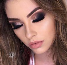 Taynara Maeda Pontalti sur Instagram : Amooo esfumadinho com glitter ✨ esse maaara é o Gold 3D da @bitarrabeauty ❤️ Agendamentos pelo fone (44)9 9816-3718 Informações sobre…