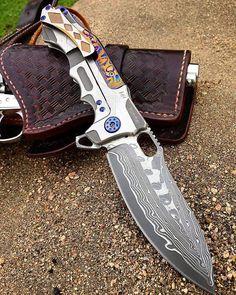 Survival camping tips Buck Knives, Cool Knives, Knives And Swords, Tactical Pocket Knife, Tactical Knives, Tactical Gear, Hummer, Knife Stand, Engraved Pocket Knives