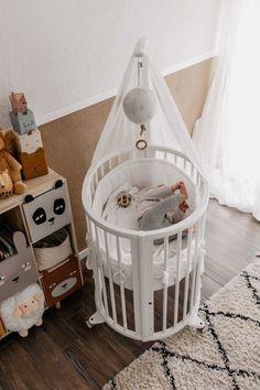 Baby-Erstausstattung: Unsere Must-haves für die ersten Monate Mocca, Bassinet, Toddler Bed, Blog, Furniture, Home Decor, Child Bed, Crib, Decoration Home