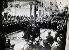 10 September 1977 The guillotine falls silent At Baumetes Prison in Marseille, France, Hamida Djandoubi, a Tunisian immigrant convicted of murder, becomes the last person executed by guillotine.