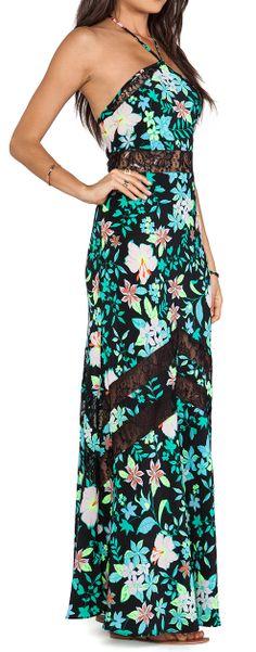 Vestido Floral maxi en Revolve. Estampado floral con encaje ¿Qué os parece?