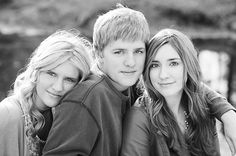 Sibling photo posing ideas. 2 in 1 if there are only 2