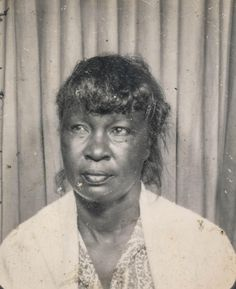 African American woman in a photo booth | Flickr - Photo Sharing!