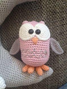 Amigurumi Owl By Troetels & Zo - Free Crochet Pattern - Pattern In Dutch… Crochet Animal Amigurumi, Crochet Birds, Amigurumi Patterns, Crochet Animals, Crochet Baby, Crochet Patterns, Free Crochet, Yarn Projects, Crochet Projects