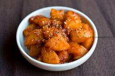 Sweet, salty, spicy – Korean braised potatoes