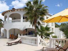 1040 euro per week  Luxus-Villa Tres Palmeras**** in Teulada: 6 Schlafzimmer, für bis zu 12 Personen. Moraira - Villa 10 (+2) Personen-privater Pool-Sauna-Fitnessraum - WIFI - 305qm | FeWo-direkt