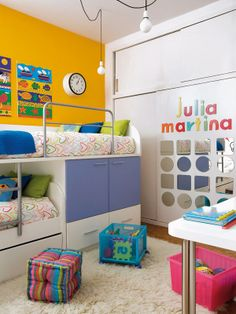 this would work so well for a dorm room. lots of storage, but doesn't take up a lot of space #dorm #inventive #clever