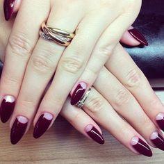 paznokcie-migdalki-burgundowe