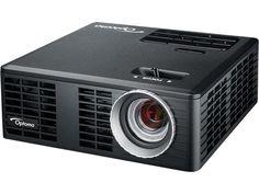 Équipé de la technologie DLP® Texas Instruments et d'une lampe LED, le pico-projecteur Optoma ML550 permet de restituer une image HD 720p (1280 x 800 pixels) sur une diagonale d'écran dépassant les 2 mètres avec un contraste de 10 000 : 1 et une luminosité de 550 lumens ANSI. |  #vidéoprojecteur #projector #HomeCinéma #Optoma #ML550