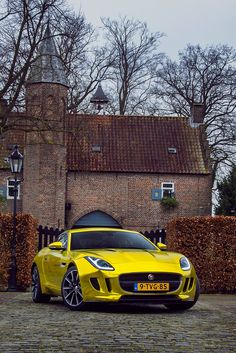 #Jaguar #FType looking absolutely amazing. #Modern #Speed #Style #Class #Beauty #Cars #CarShowSafari