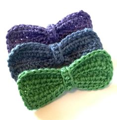 Pretty bows are a must in any little girls accessories collection. This cute little bow is secured to a barrette clip. 1 for $6 2 for $10 3 for $14  **Please refer to the color charts in the photos for colors available. Let me know your color choice(s) in the Note to Seller.**  Approximately 4.5 inches long. 100% acrylic yarn.