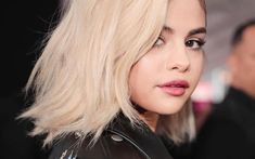 Hairdresser Riawna Capri has spilled the details on Instagram.
