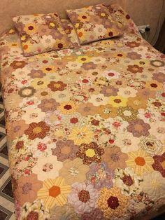 Hexagon quilt   naturelle  flowers