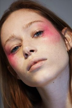"oystermag: "" Oyster Beauty: 'Cheeky' Shot By Bec Martin "" Makeup Inspo, Makeup Art, Makeup Inspiration, Beauty Makeup, Hair Makeup, Hair Beauty, 80s Makeup, Bold Makeup Looks, Blue Eye Makeup"