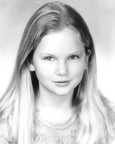 Young Taylor Swift. honestly i did not recognized her at first glance