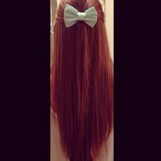 Long straight hair with hair bow... It looks EXACTLY like the bow I made!