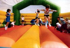 """Check out """"3 Questions Everyone Should Ask Themselves Before Hiring Jumping Castles"""" on Qzzr!"""