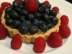 My latest recipe screams SUMMER! Try my Blueberry Lemon Curd Tart while fresh blueberries are in season. Blueberry Crumble Pie, Blueberry Picking, Blueberry Topping, Pie Crumble, Lemon Curd Tart, Lemon Curd Filling, Tart Recipes, My Recipes, Whole Food Recipes