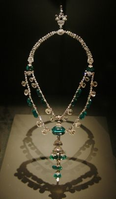 A sparkling emerald and diamond necklace of the Spanish Inquisition period from the collections of the Smithsonian's National Museum of Natural History.