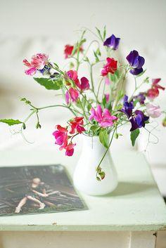 Sweet pea bouquet by wood & wool stool