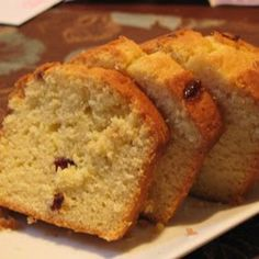 Lemons and cranberries pair beautifully in this Amish Friendship Bread recipe. Drizzle with our vanilla lemon glaze. Friendship Cake, Friendship Bread Recipe, Friendship Bread Starter, Amish Friendship Bread, Amish Bread Recipes, Baking Recipes, Dutch Recipes, Amish Bread Starter, Sweet Roll Recipe