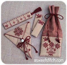 #cross #stitch #finishing #idea #scissors #fob #sewing #accesoties #linen #monohrome