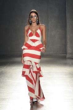 BCapital, el evento Smart, Fashion y Cool de Bogotá. Pasarela Leal Daccarett. #Inexmoda #Fashion #Moda #Diseño #BCapital Fashion 2020, Love Fashion, Runway Fashion, Fashion Moda, Fashion Outfits, Womens Fashion, Beautiful Maxi Dresses, Nice Dresses, Dress Skirt