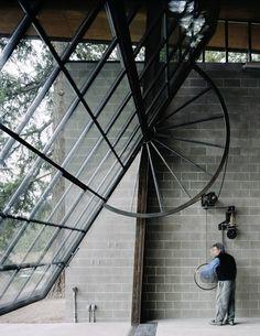 El Garaje Diario »Blog Archive» La puerta del garaje