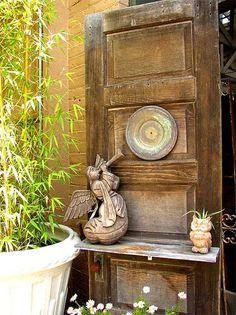 Новый интерьер из старых дверей | Своя изба
