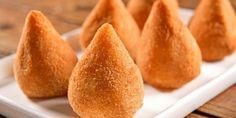 Coxinha com massa de mandioca é a melhor invenção do mundo: receita + 2 recheios | Dicas & Receitas